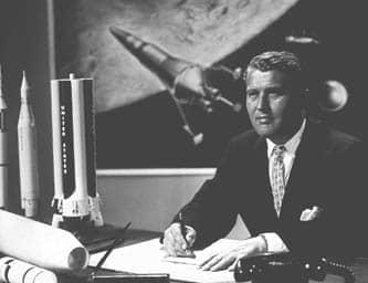 032 Wernher v Braun oficina c naves de Disney 16 sep 1960